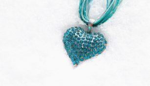 naszyjnik - sztuczna biżuteria